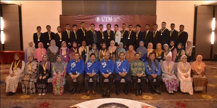 Excellence Students Award Ceremony with UTM Collaboration College